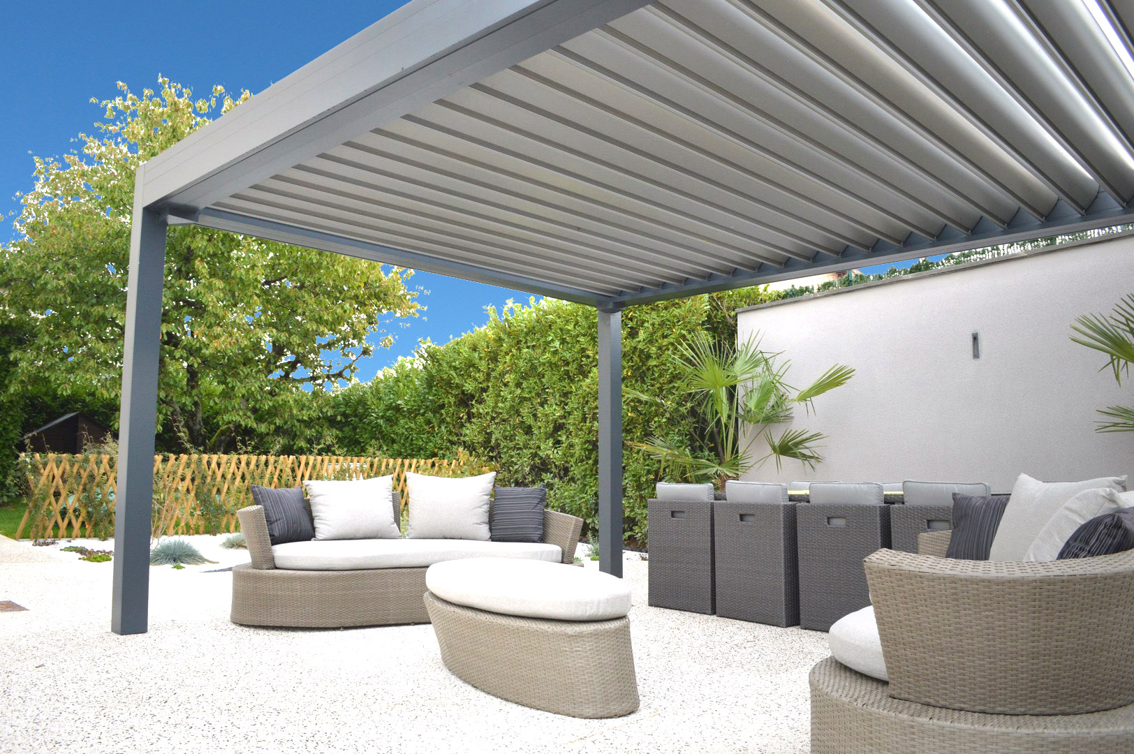 r alisation d 39 une pergola en pose libre genas pergola pergolas lyon. Black Bedroom Furniture Sets. Home Design Ideas